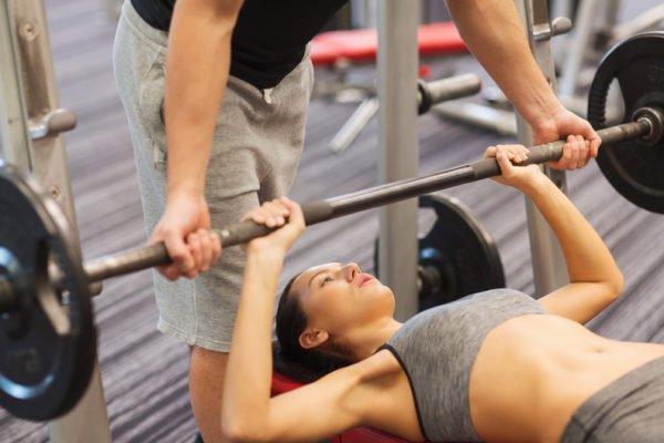 Тренировка грудных мышц для девушек
